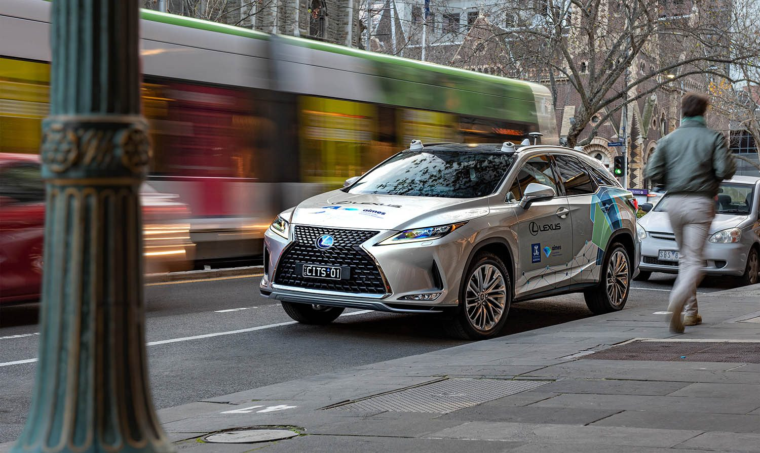 Lexus RX 450h fitted with Dedicated Short Range Communication (DSRC) and cellular network technologies. Image: Lexus Australia